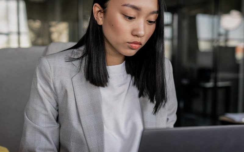 Keep it Classy: Must-Follow Resume Trends for Professional Women